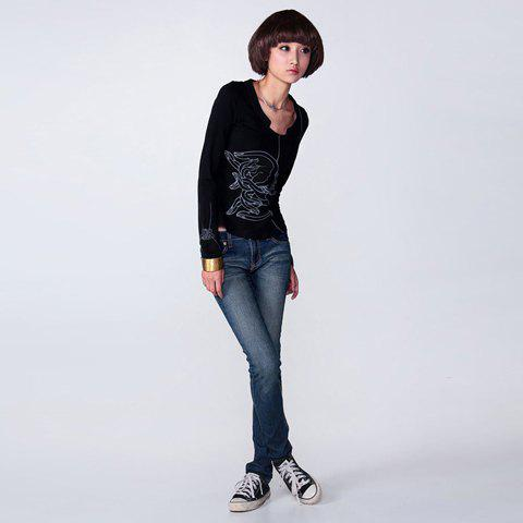 Delicate Lock Shape Neckline Design Pattern Printed T-Shirt