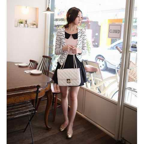 Korean Slim Look Style V-neck and Puff-sleeve Design Coat - WHITE M