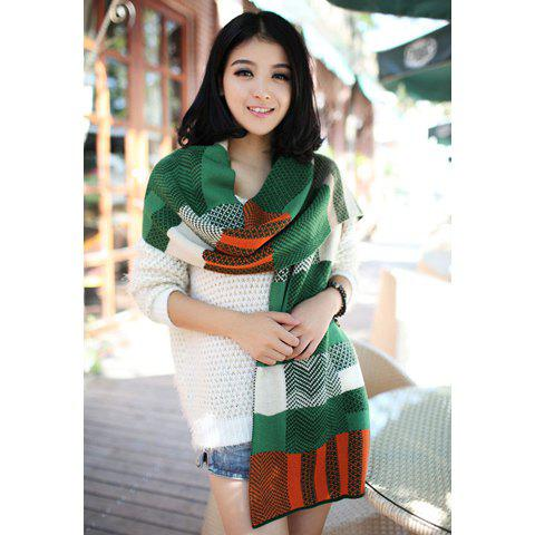 Hot Sale Geometric Prin Embellished Knitted Wool Scarf - GREEN