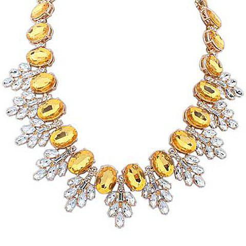 Stylish Fashion Rhinestone Leaf Pendant Necklace For Women - YELLOW