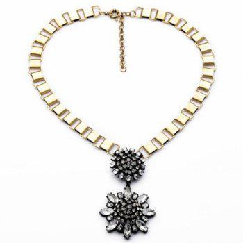 Fashion Stylish Crystal Transparent Flower Pendant Necklace For Women
