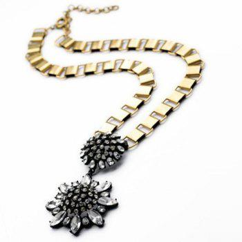 Fashion Stylish Crystal Transparent Flower Pendant Necklace For Women - AS THE PICTURE