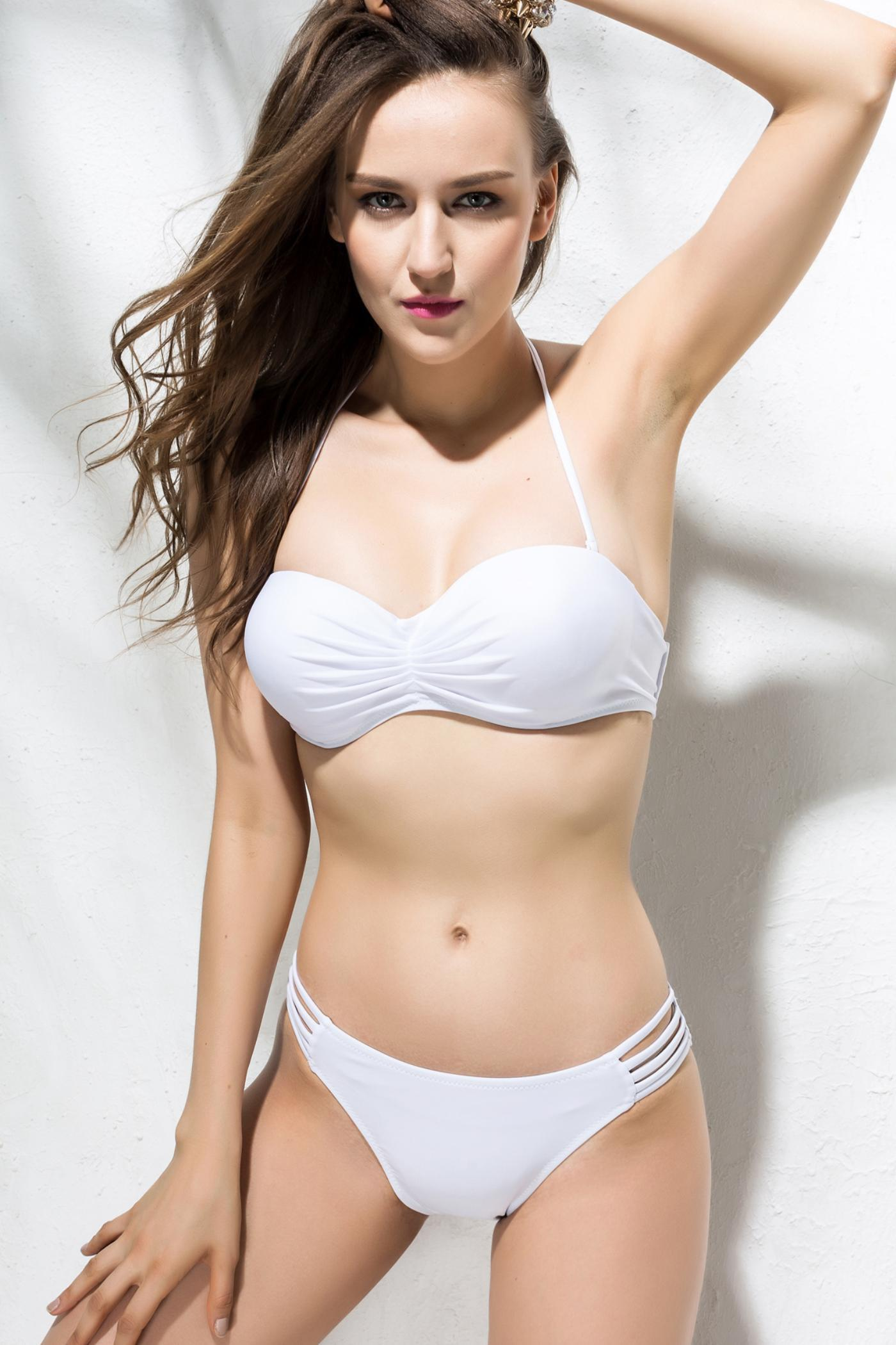 Solid Color Sexy Strapless Hollow Out Two-Pieces Women's Swimming Suits - WHITE M