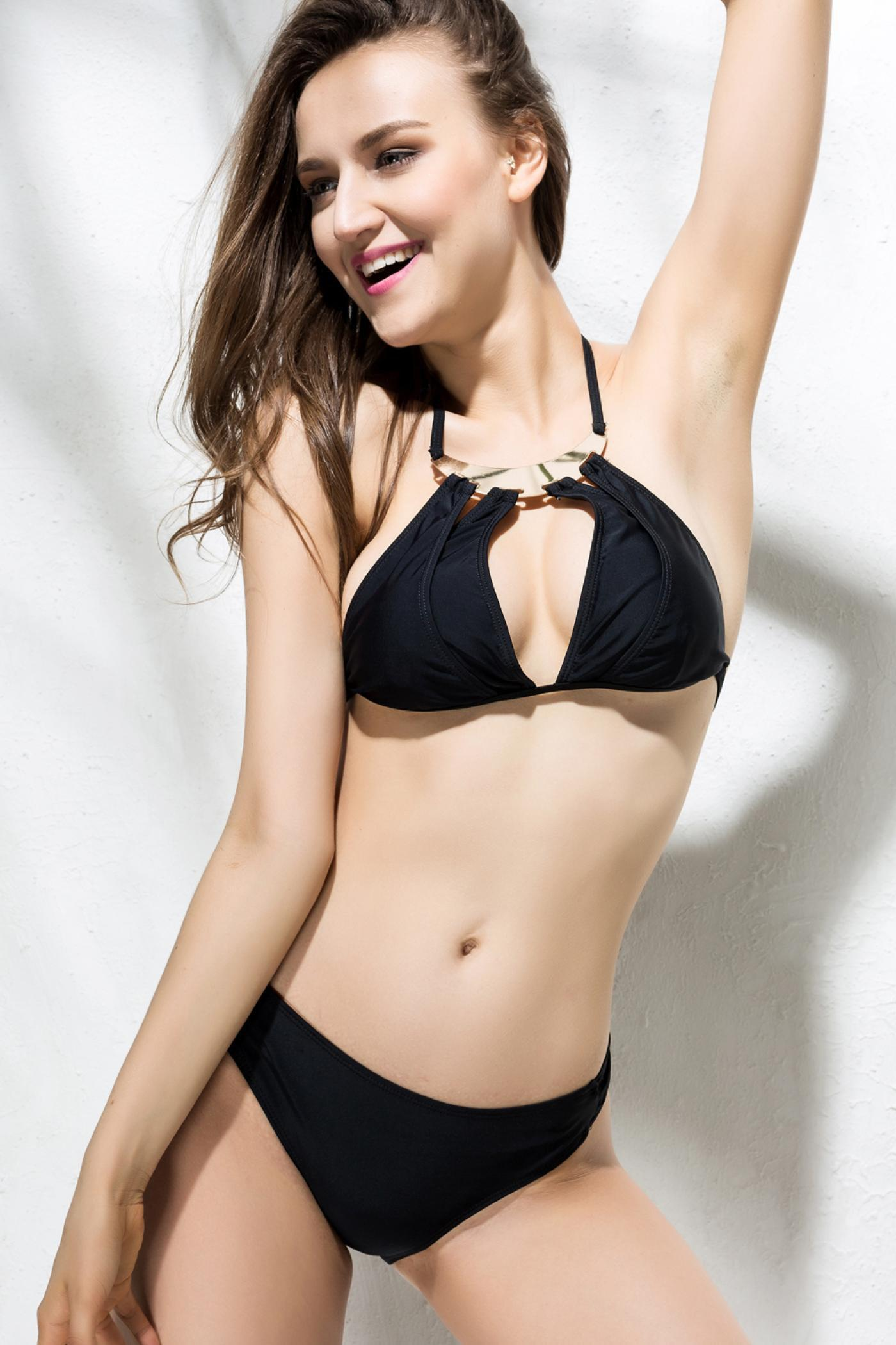 Hollow Out Alluring Halterneck Solid Color Women's Swimwear - BLACK S