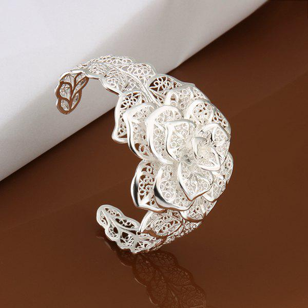 Charming Triple Layers Floral Bracelet For Women