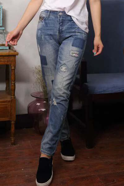 Stylish Broken HoleButton Fly  Patch Design Jeans For Women