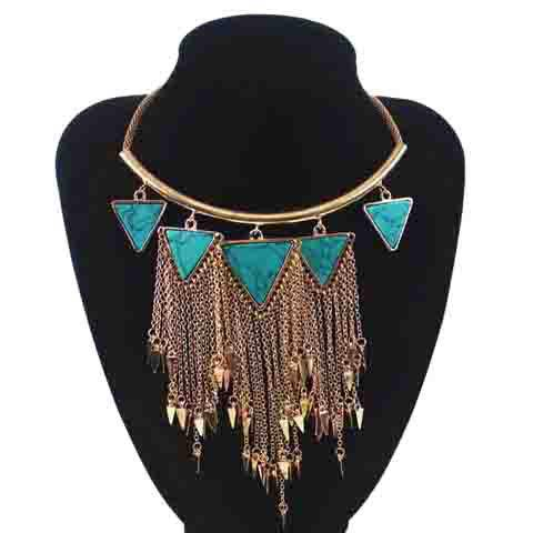 Stylish Turquoise Triangle Rivet Tassels Women's Necklace - RANDOM COLOR