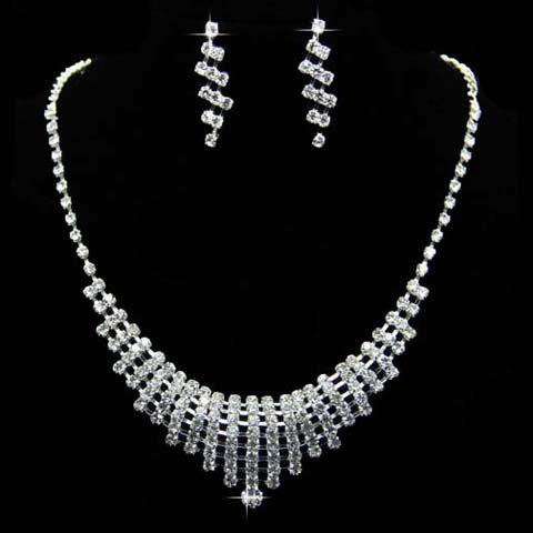 A Suit of Vintage Solid Color Rhinestoned Hollow Out Necklace and Earrings For Women