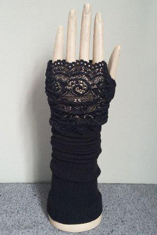 Pair of Chic Hollow Out Lace Edge Women's Black Knitted Fingerless Gloves - BLACK