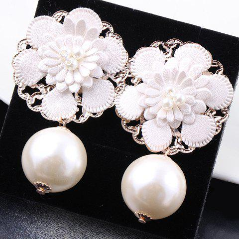 Pair of Floral Faux Pearl Earrings - WHITE
