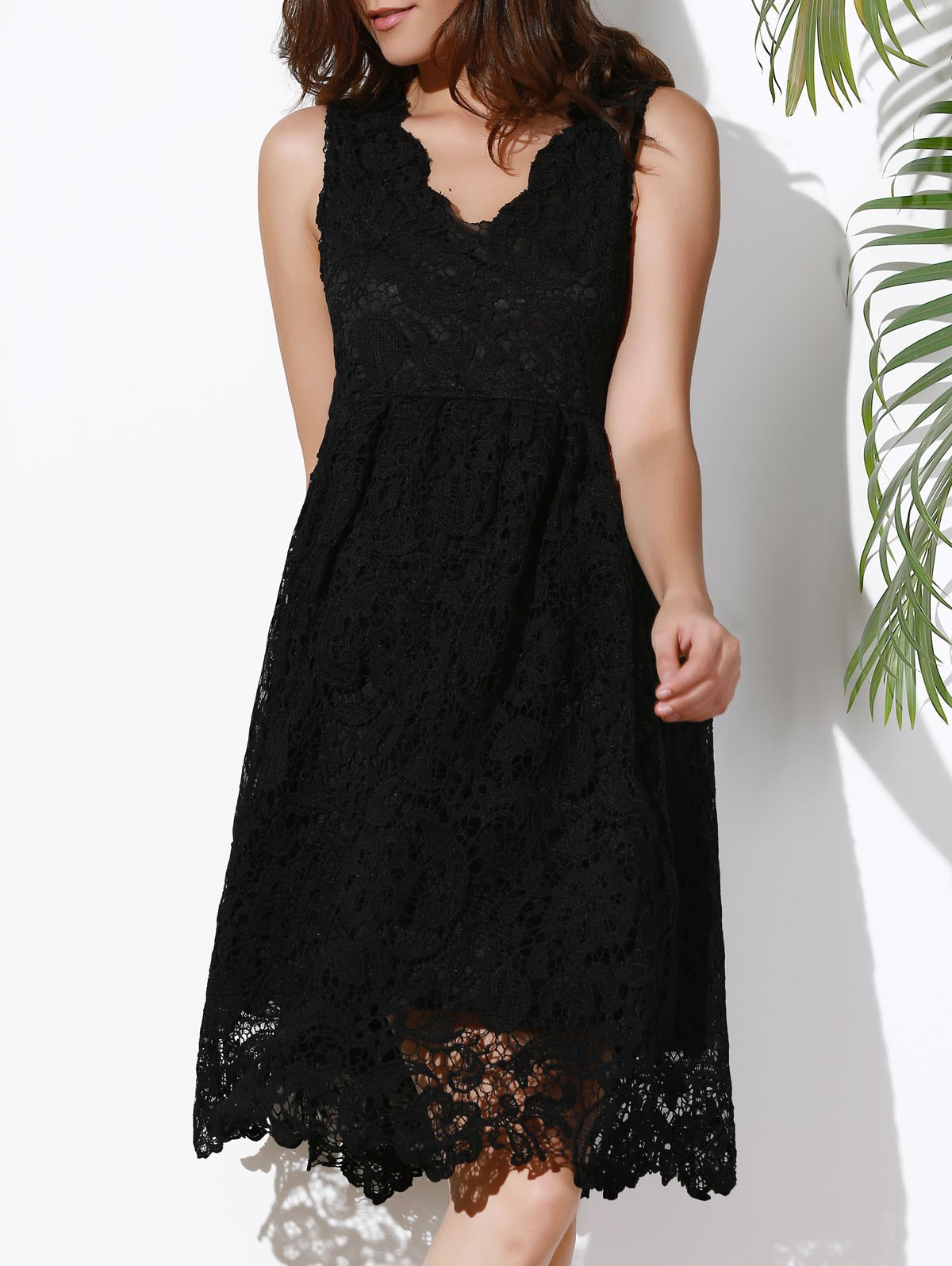 Stylish Sleeveless Plunging Neck Solid Color Lace Women's Dress - BLACK XL