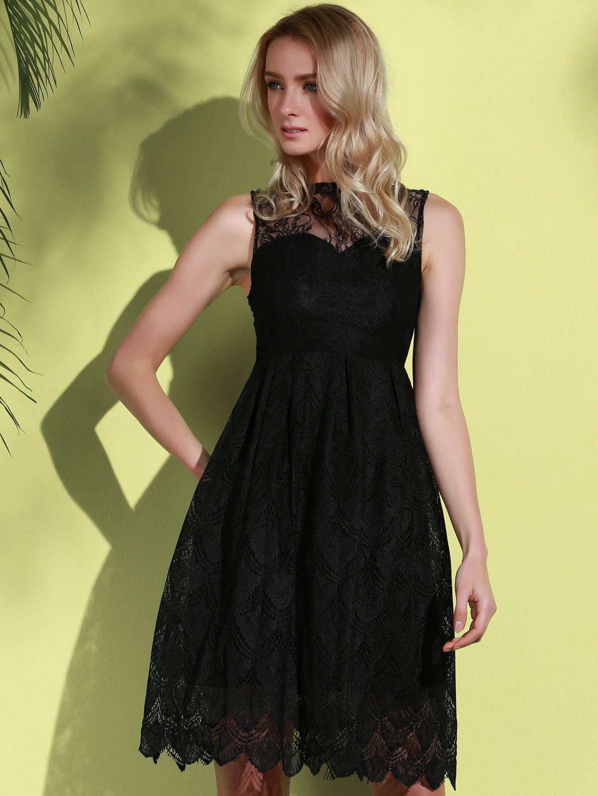 Stylish Round Neck Sleeveless Hollow Out Solid Color Lace Women's Dress - BLACK S