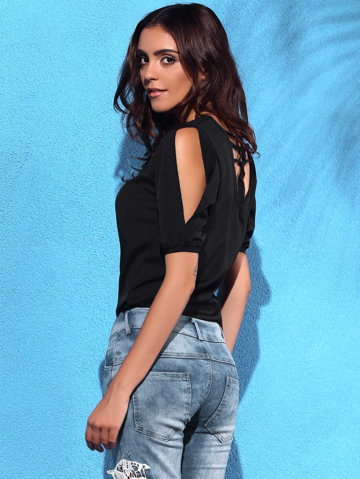 Trendy Short Sleeve Hollow Out Jewel Neck T-Shirt For Women - BLACK M