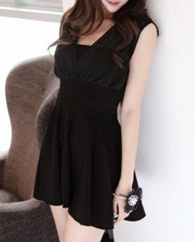 Trendy Sleeveless Square Neck Hollow Out Solid Color Womens DressWomen<br><br><br>Size: M<br>Color: BLACK