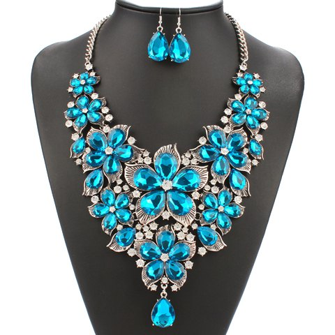 A Suit of Gorgeous Artificial Pearl Flower Necklace and Earrings For Women - BLUE