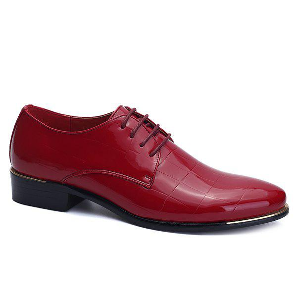 Stylish Embossing and Patent Leather Design Men's Formal Shoes - WINE RED 44