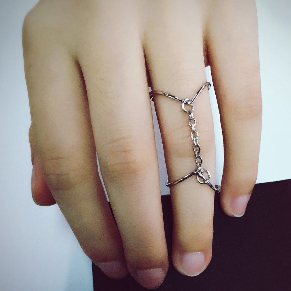 Chic V-Shaped Two Connecting Rings For Women - SILVER ONE-SIZE
