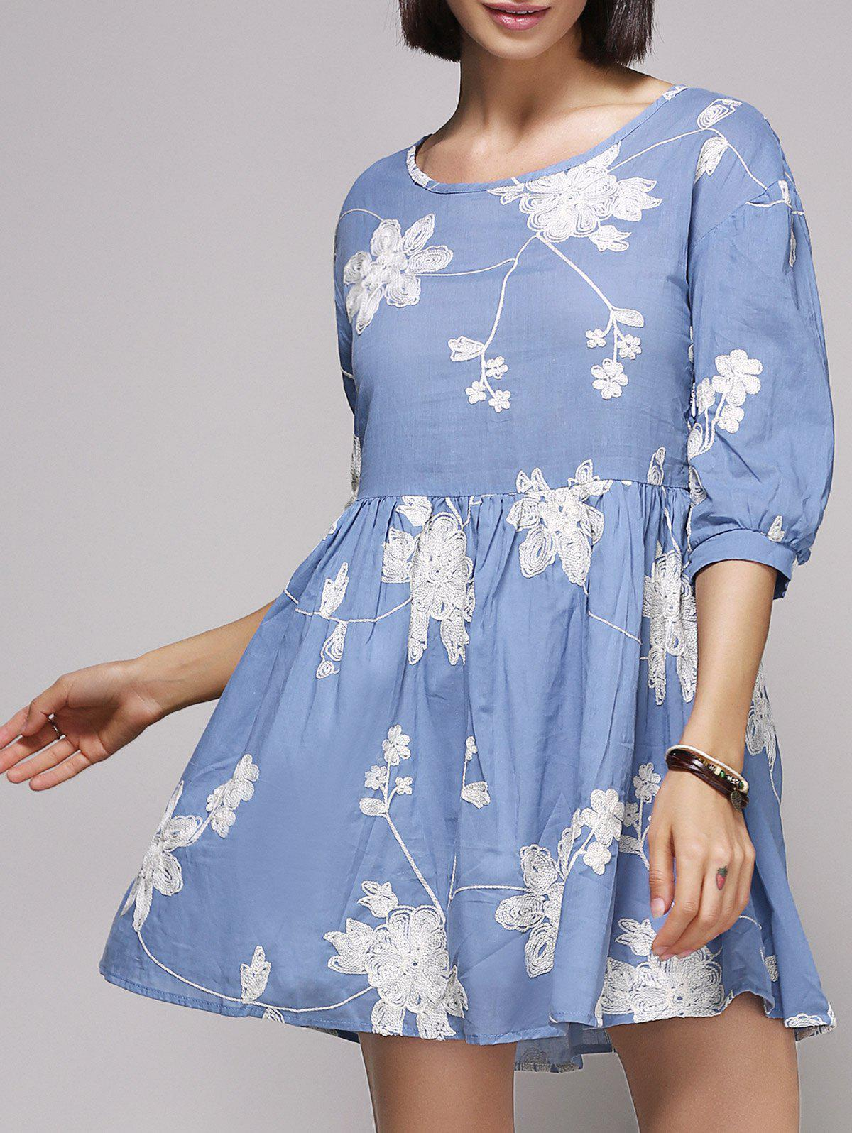 Stylish Women's 3/4 Sleeve Scoop Neck Embroidered Floral Dress - BLUE M