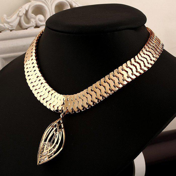 Rock Hollow Out Rhinestone Leaf Shape Pendant Necklace - GOLDEN