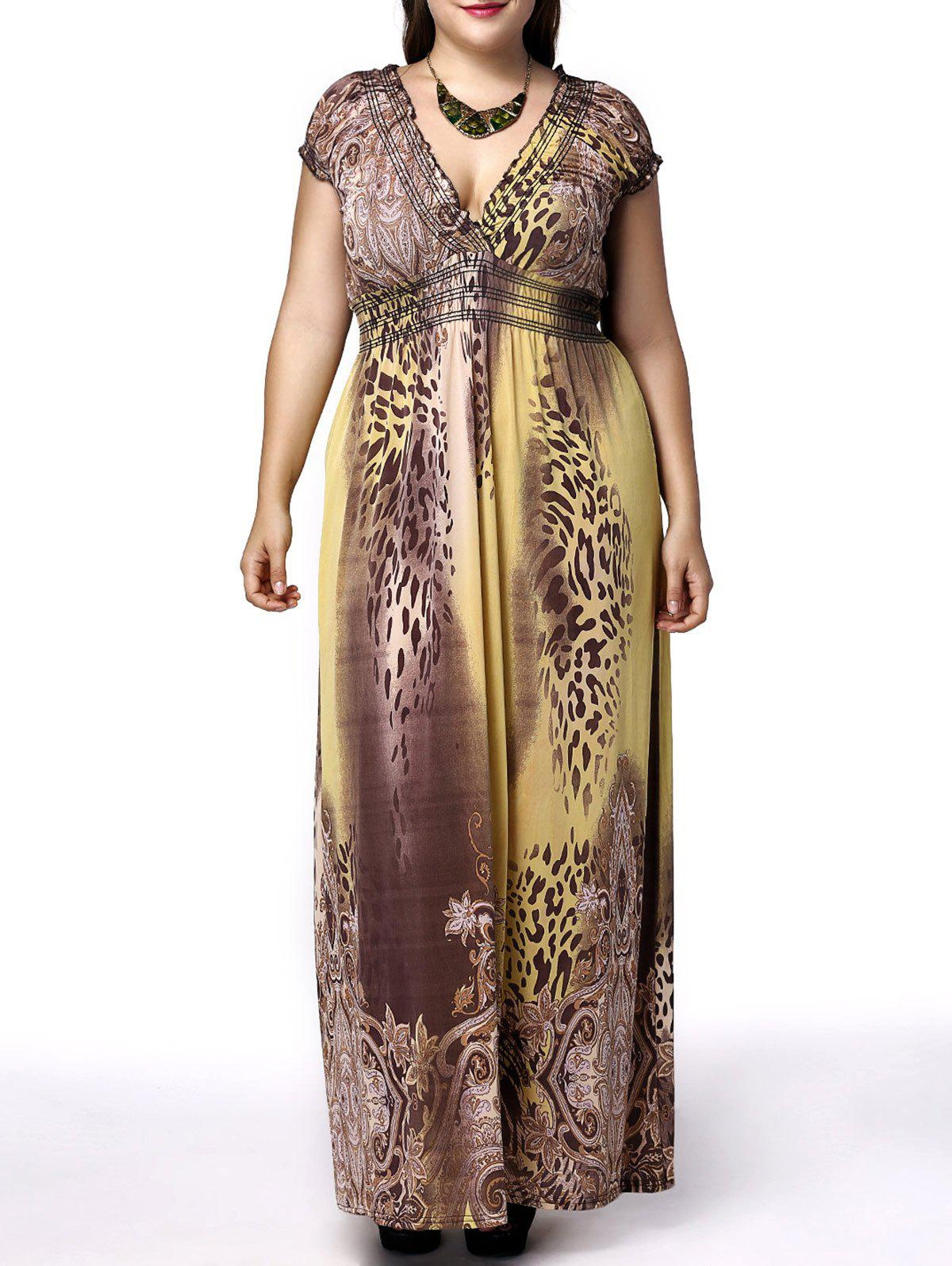 Alluring Plus Size Short Sleeve Plunging Neck Leopard Print Women's Dress