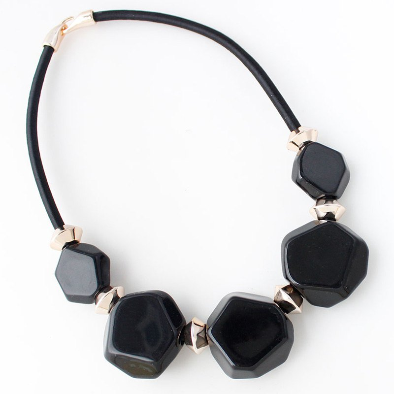 Resin Geometric Gold Plated Alloy Statement Necklace - BLACK