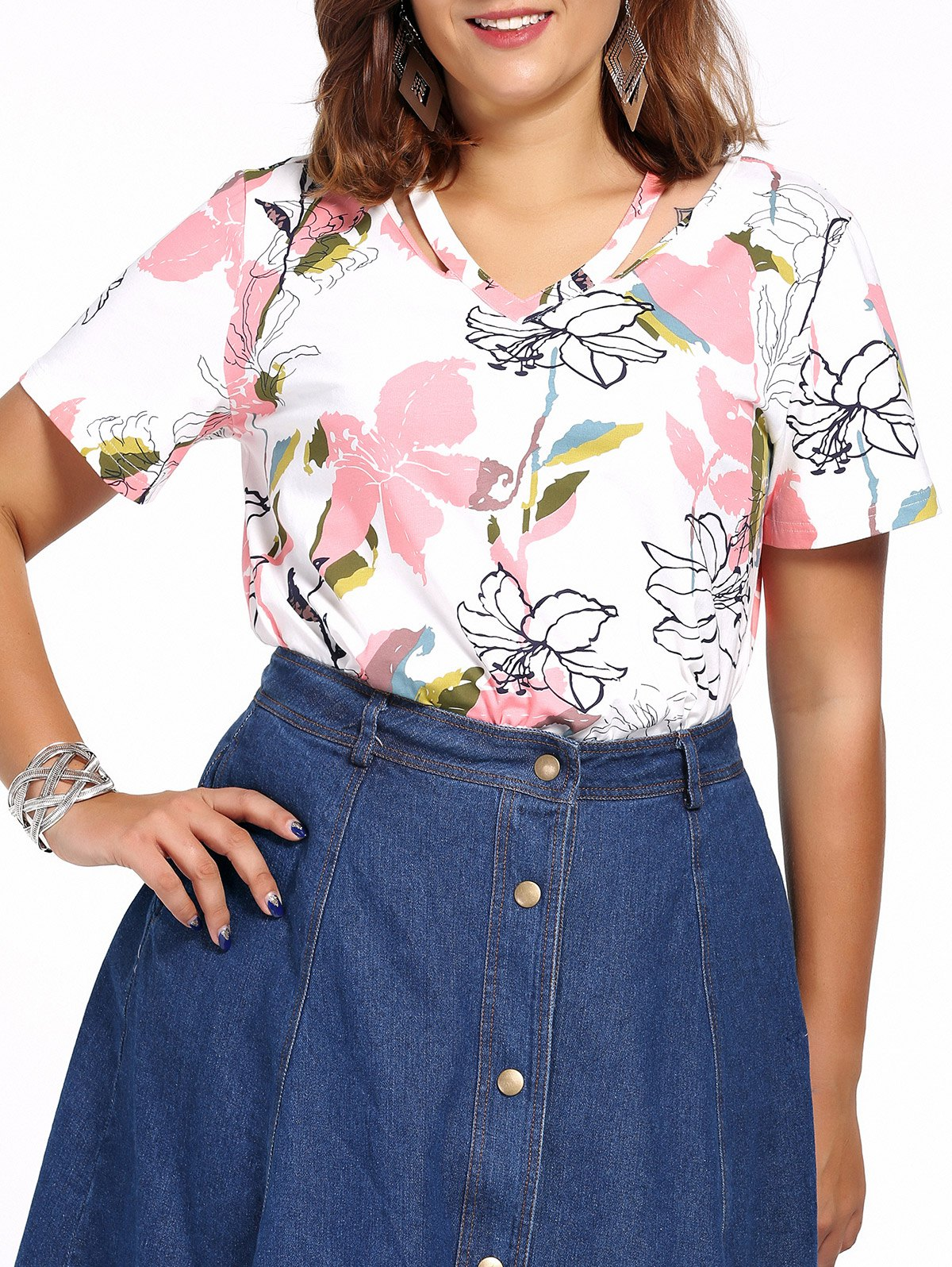 Chic Plus Size Floral Print V Neck Women's T-Shirt - WHITE 5XL