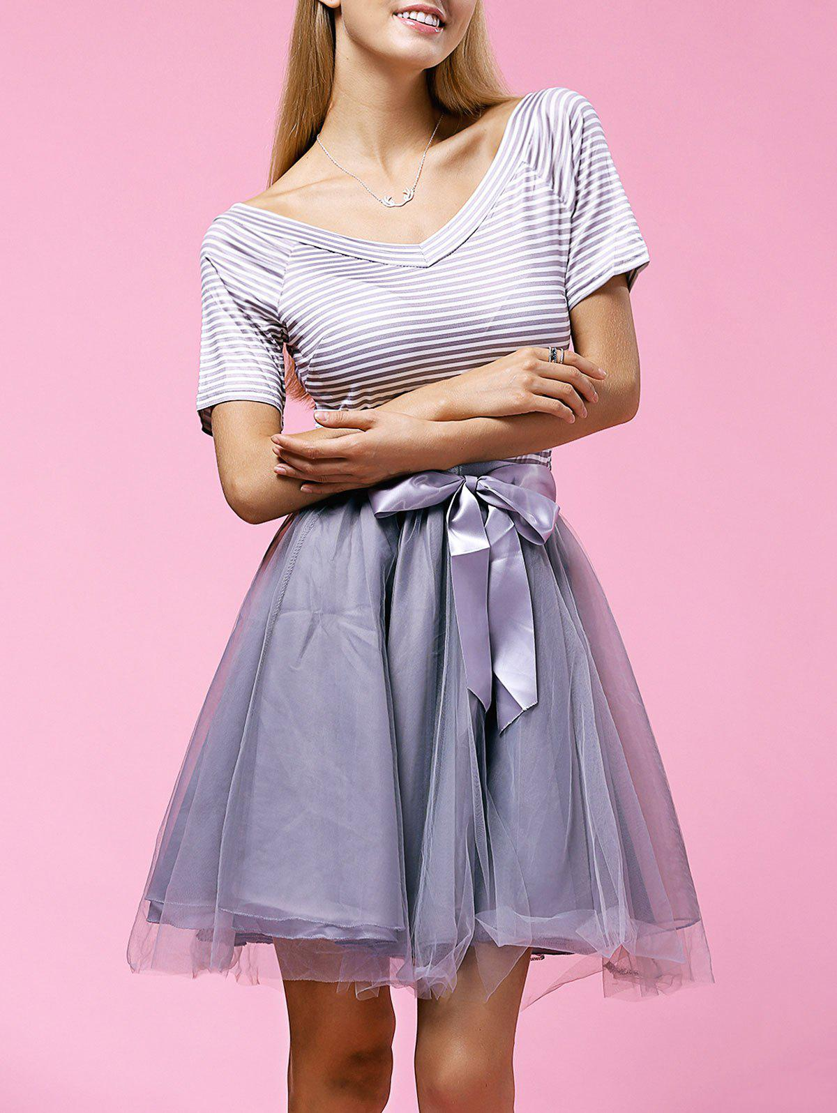 Sweet Striped V-Neck T-Shirt + Bowknot Embellished Bubble Skirt Womens TwinsetWomen<br><br><br>Size: 2XL<br>Color: GRAY