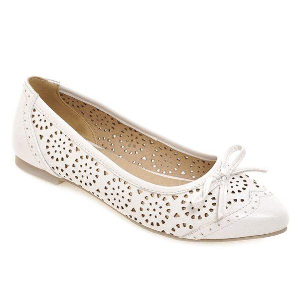 Sweet Bow and Engraving Design Women's Flat Shoes - WHITE 38