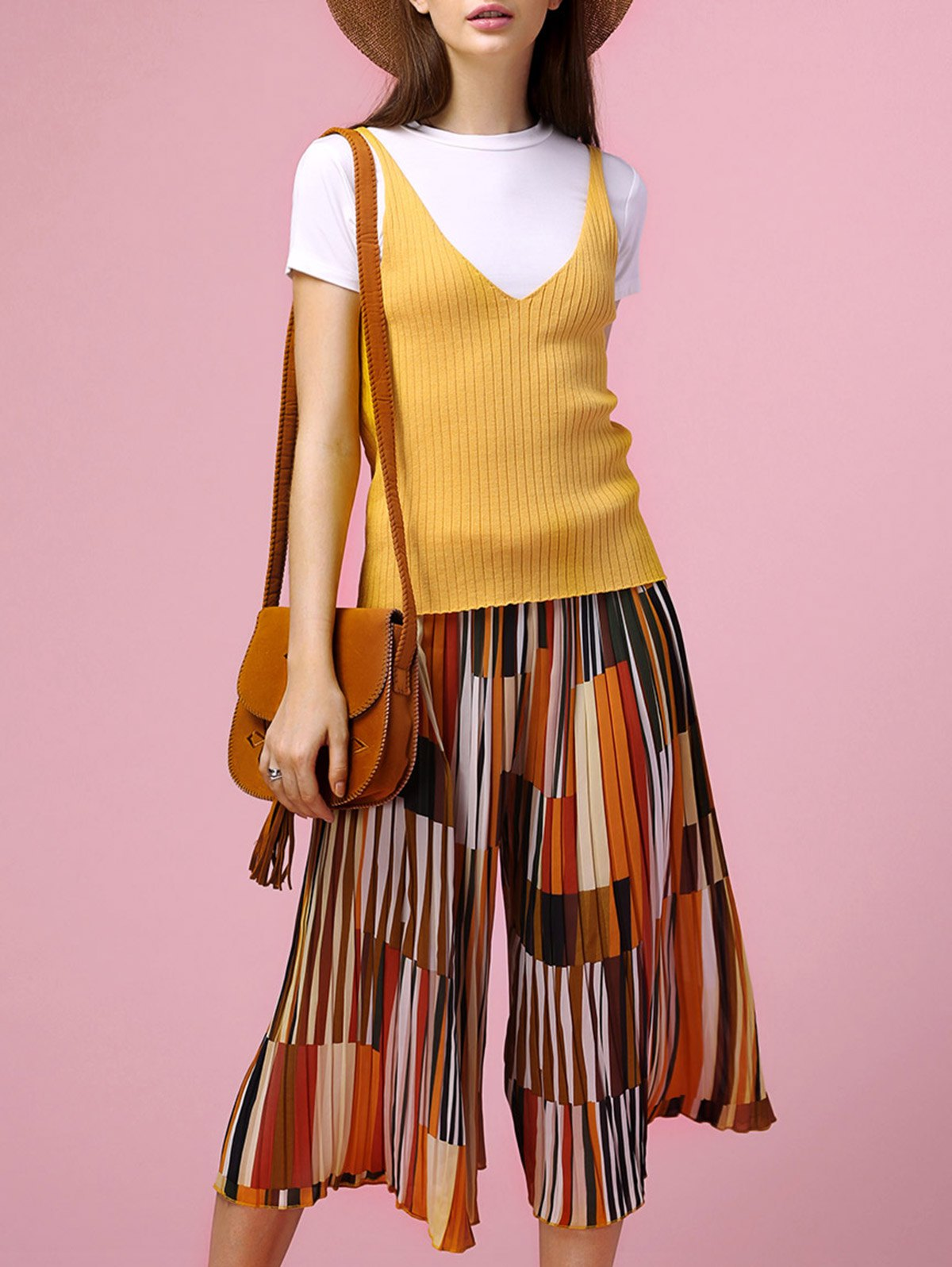 Chic White T-Shirt + Backless Tank Top + Print Pleated Wide Leg Pants Women's Three Piece Suit - YELLOW XL