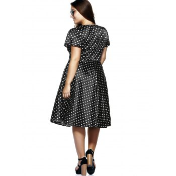 Plus Size Short Sleeve Polka Dot Midi Dress - Noir 7XL