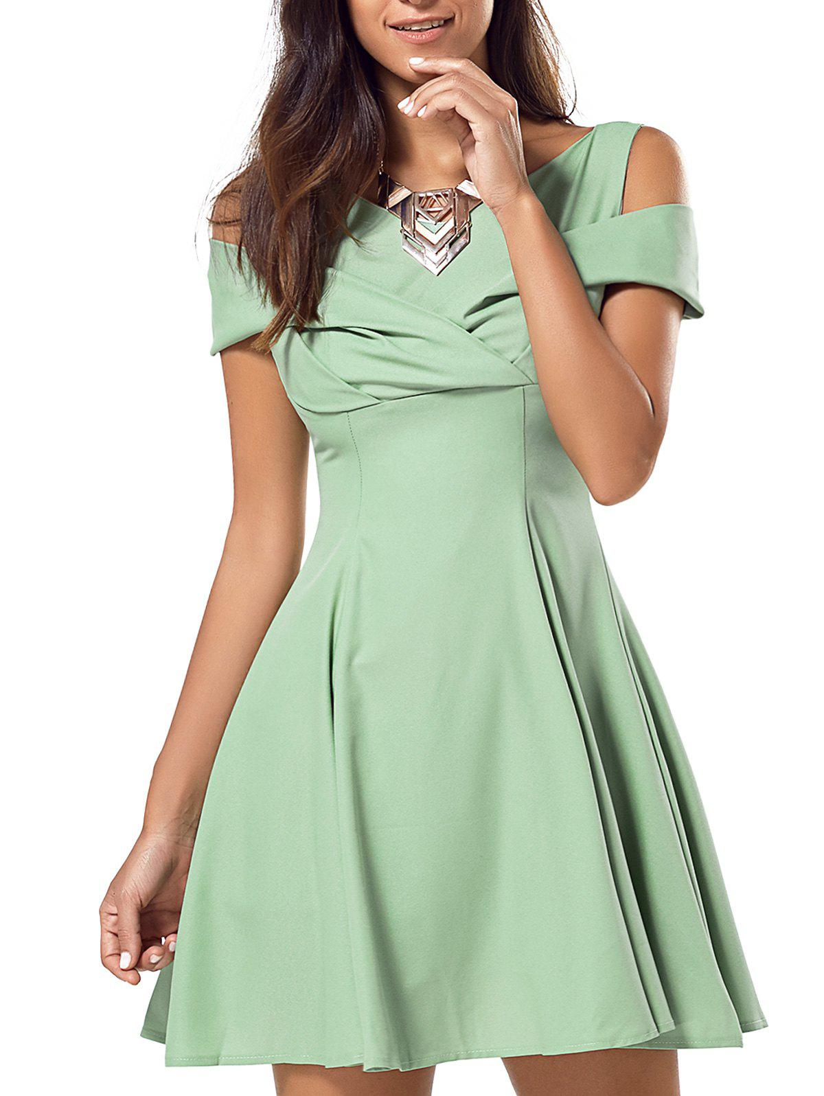 Pure Color Hollow Out Flare Dress - GREEN L