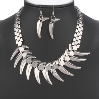 A Suit of Fashionable Wolf Tooth Shape Necklace and Earrings For Women