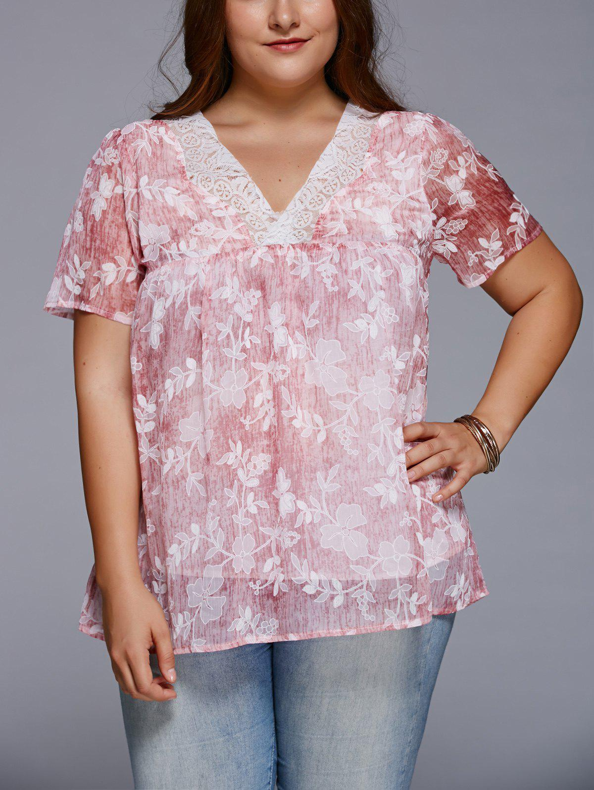 Sweet V Neck Floral Plus Size T-Shirt - LIGHT RED 5XL