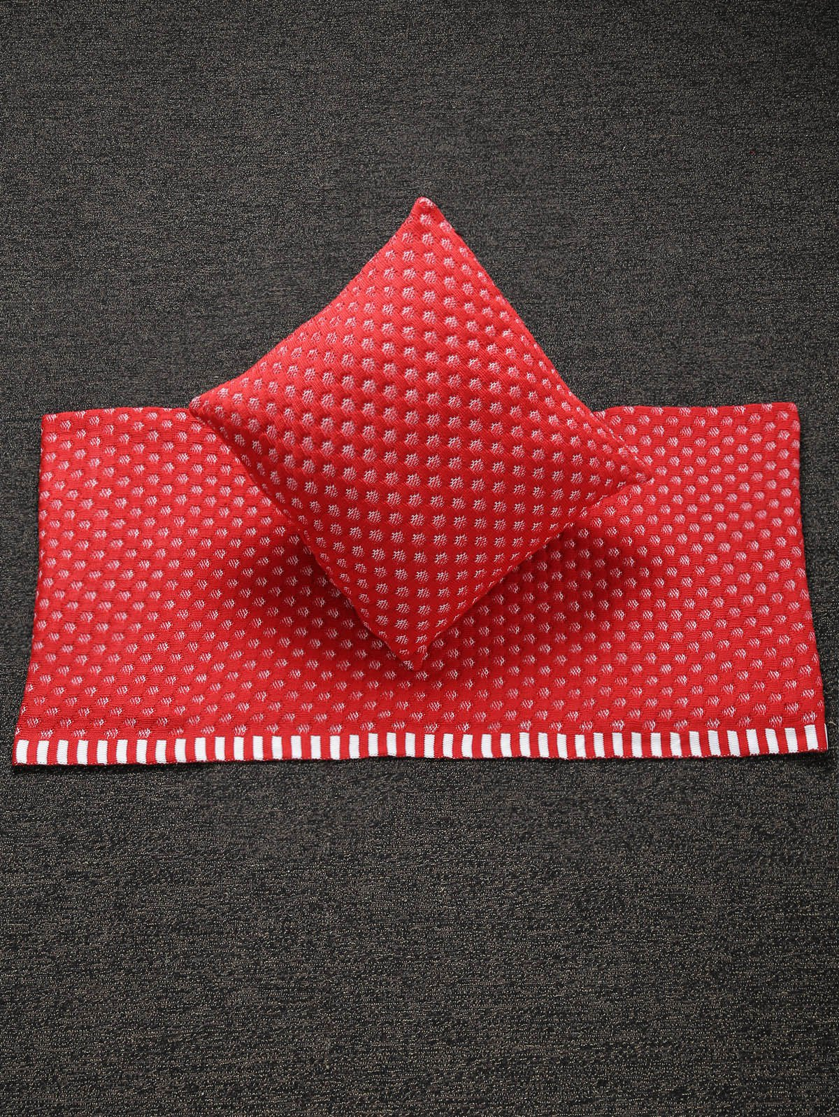 Stylish Home Decor Warm Comfortable Christmas Red Mesh Knitted Pillow Case and Blanket - RED
