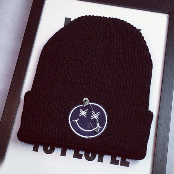 Stylish Warm Safty Pin and Smilling Face Design Men's Knitted Beanie