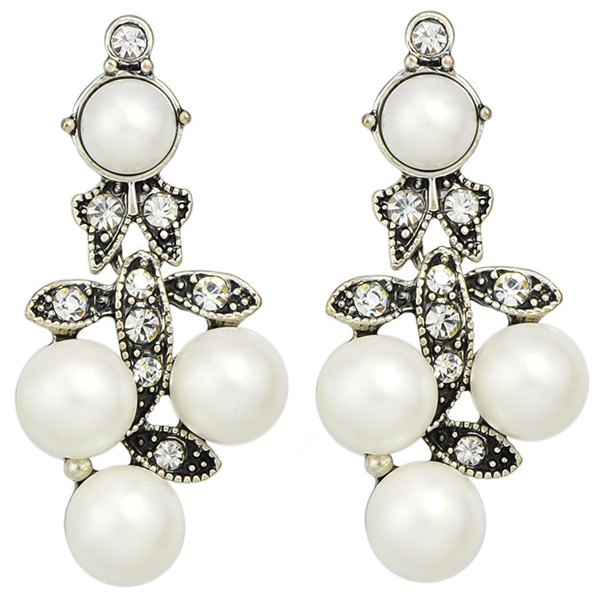 Pair of Faux Pearl Etched Rhinestone Alloy Earrings - WHITE