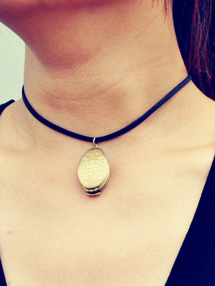 Chic Engraved Floral Locket Necklace