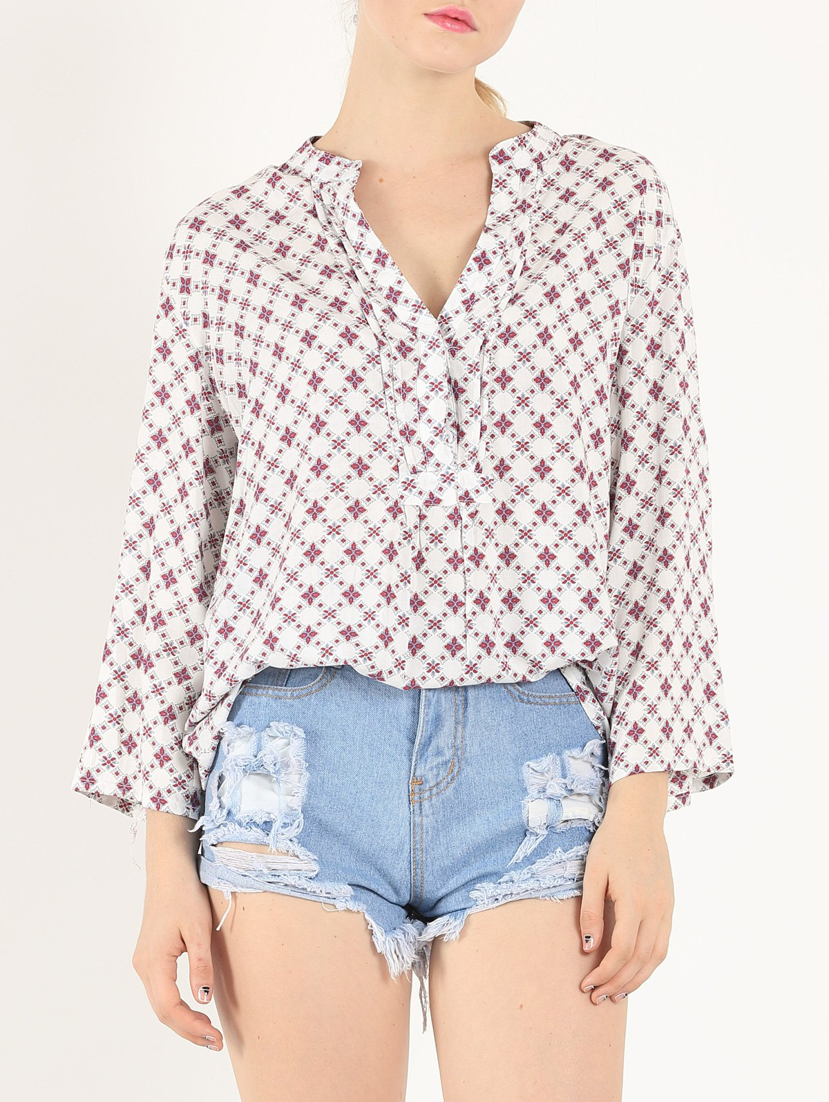 Casual 3/4 Sleeve V Neck Tiny Floral Print ShirtWomen<br><br><br>Size: S<br>Color: WHITE
