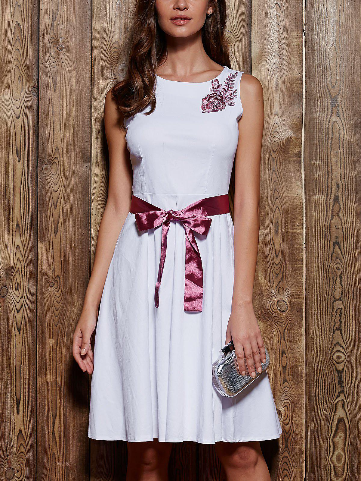 Sleeveless Round Neck Embroidered Bowknot Dress
