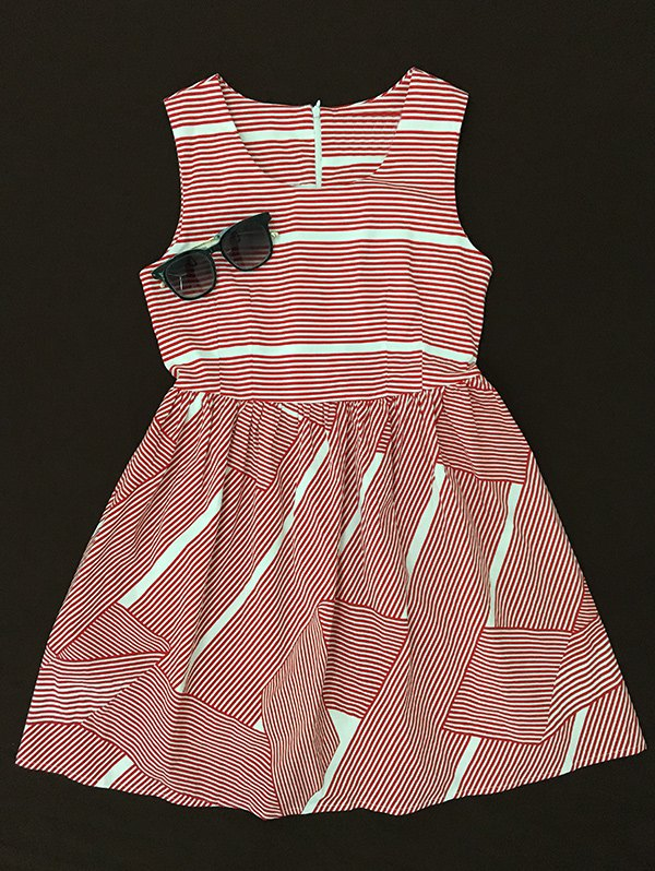 Striped Print Scoop Neck Dress - L RED