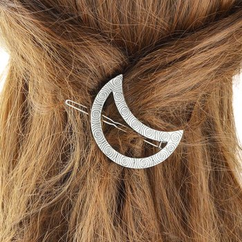 Moon Engraved Round Hairpin
