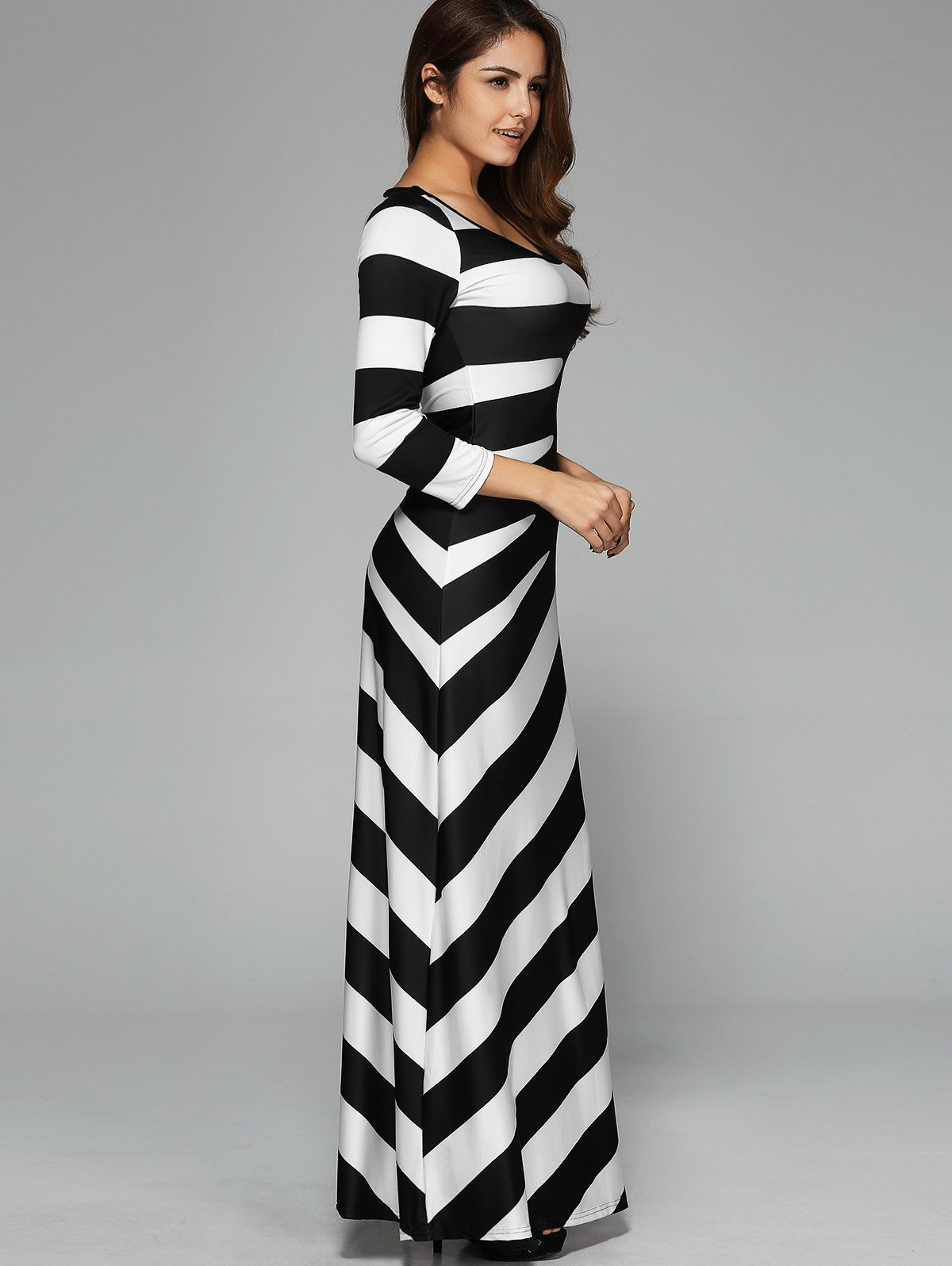 Party Dresses. Formal Dresses. Bridesmaid Dresses. Sale. All Sale. Current Promotions. Shop By Discount 20% Off 40% Off 50% Off 70%+ Off. Lulus Graciella White Lace Maxi Dress $84 Lulus Taia Black and White Grid Print Tie-Front Long Sleeve Midi Dress $54 Select a Page 1. of NEXT.