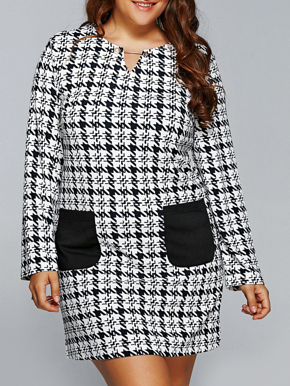 Houndstooth Print Twin Pockets Shift DressWomen<br><br><br>Size: 2XL<br>Color: WHITE AND BLACK