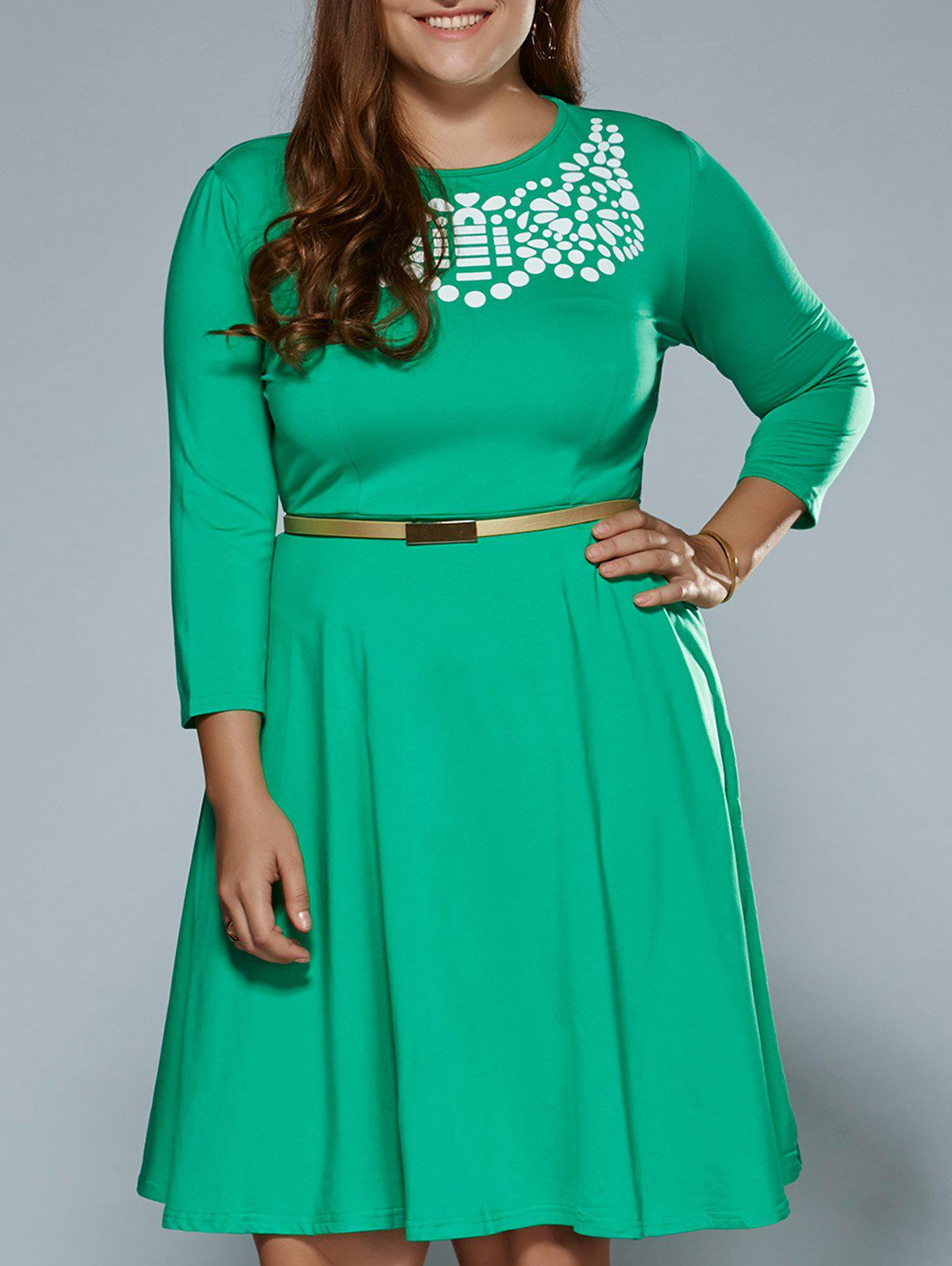 Plus Size Printed Fit and Flare DressWomen<br><br><br>Size: 4XL<br>Color: APPLE GREEN