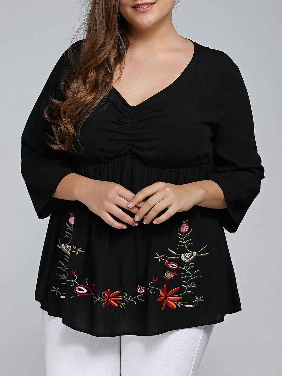Plus Size 3/4 Sleeve V Neck Embroidered T-Shirt - BLACK XL