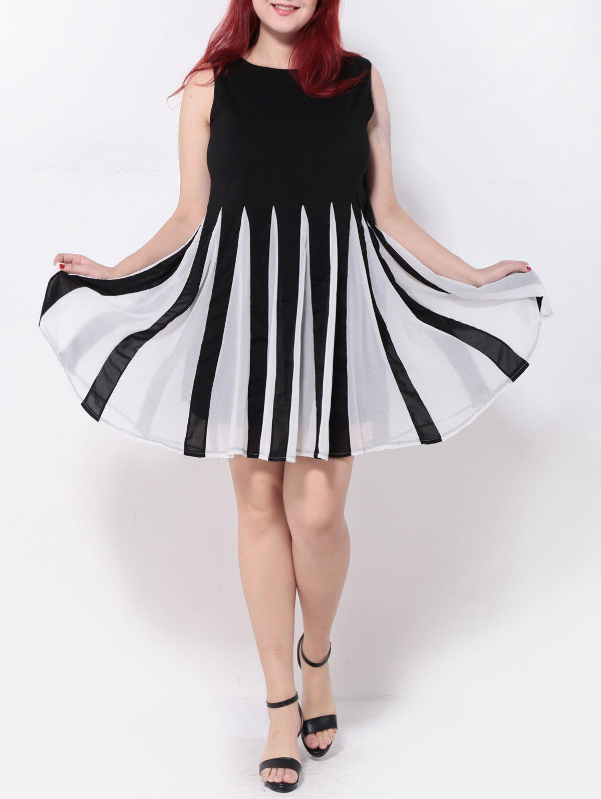 Pleated Patchwork Swing DressWomen<br><br><br>Size: 5XL<br>Color: WHITE AND BLACK
