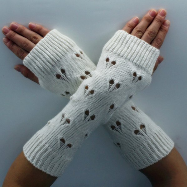 Heart Hollow Out Knitted Arm Warmers - WHITE