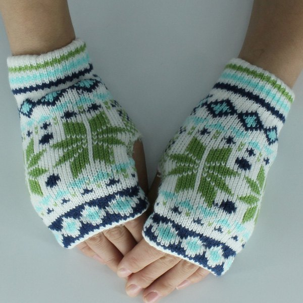Snow Christmas Knitted Fingerless Gloves - CLOVER