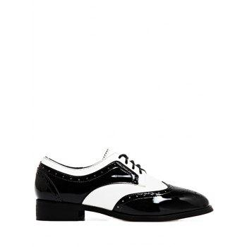 Wingtip Two Tone Flat Shoes