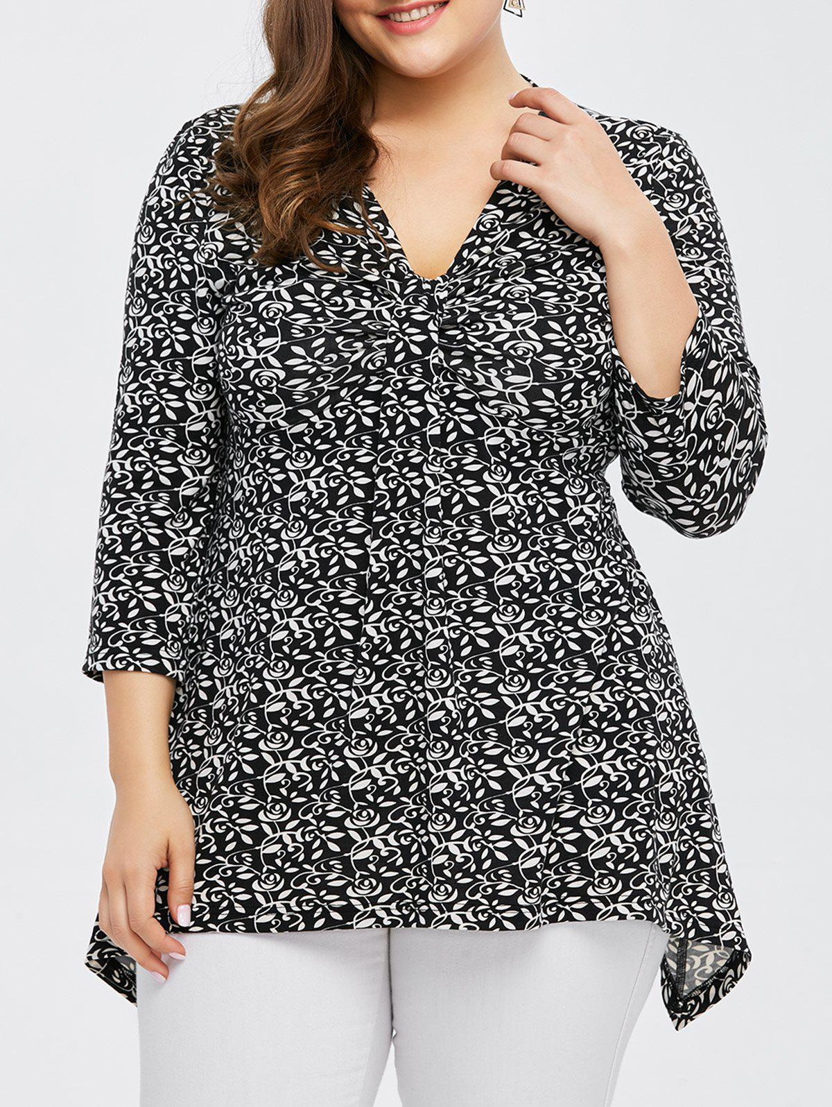 Plus Size Tiny Floral Asymmetrical T-Shirt - BLACK 3XL